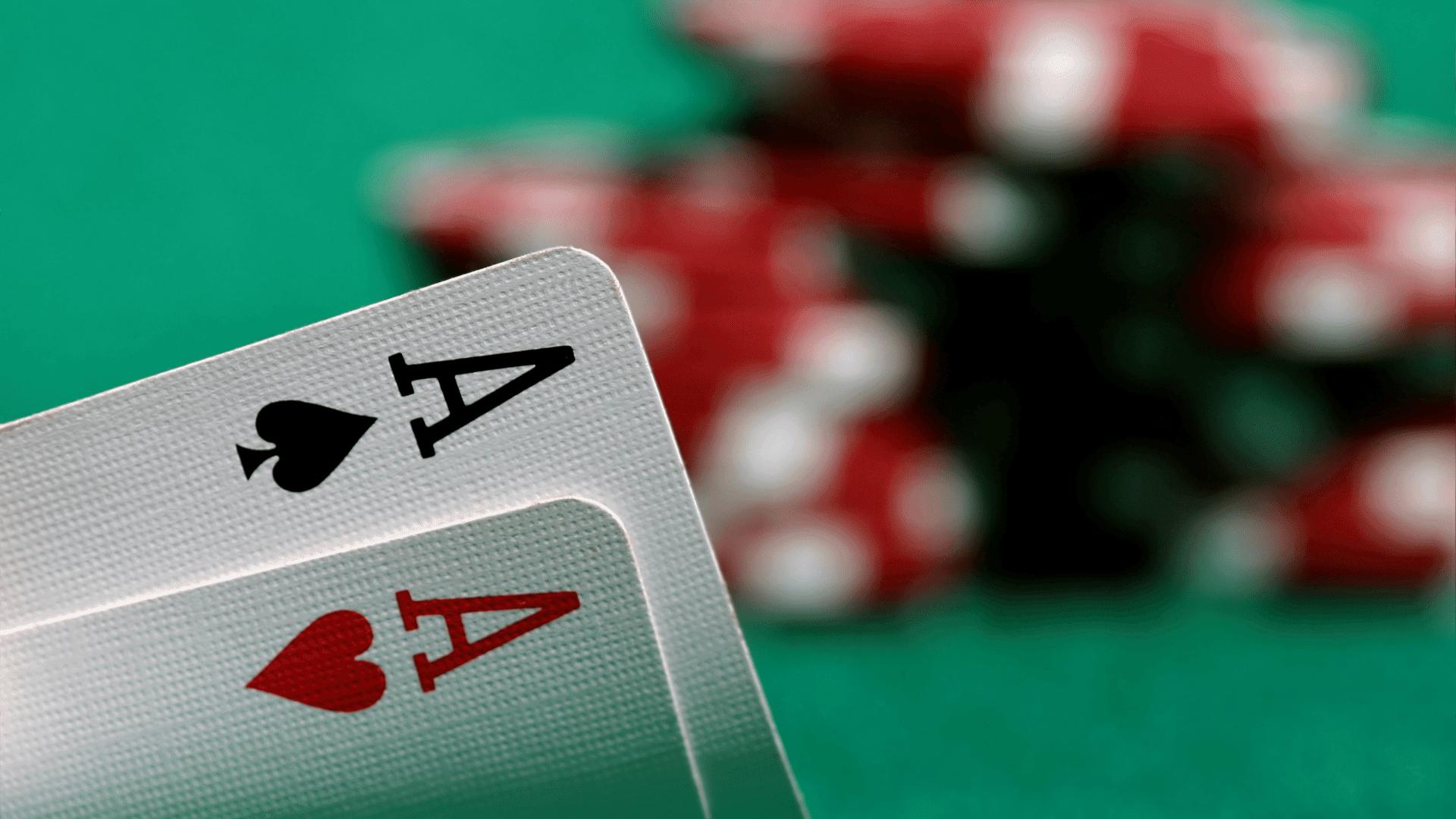 Ultimate Texas Hold 'm Online을 플레이하는 방법